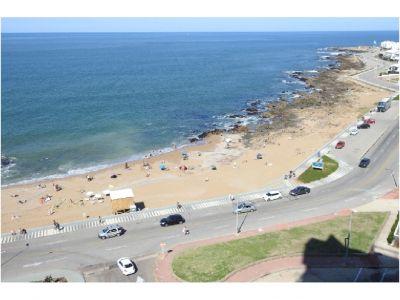 Venta de apartamento de 4 dormitorios y dependencia en Punta del Este