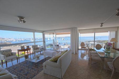 Apartamento frente al Puerto