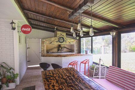 Casa en alquiler Punta del Este playa Mansa, 2 dormitorios y parrillero