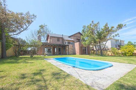 Casa en venta San Rafael, con piscina
