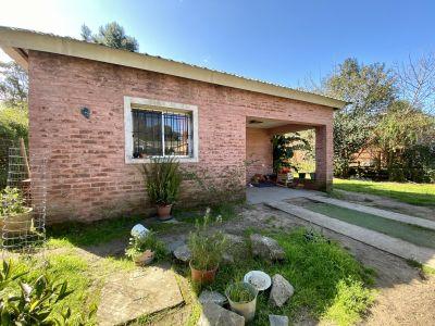 Casa en lindo barrio - Consulte !!!!!