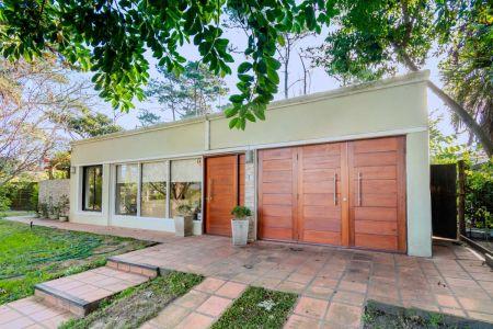 Preciosa casa en Lomas de San Rafael
