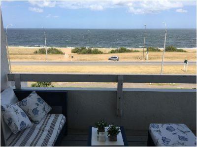 Apartamento frente al mar  - venta