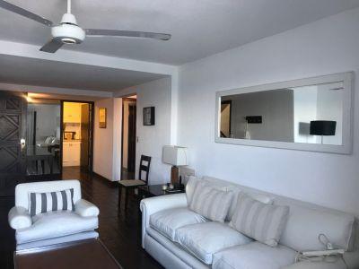 Oportunidad de departamento en venta frente a playa El Emir en la  Península, 3 dormitorios .