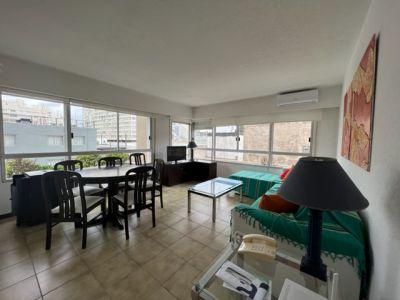 Apartamento en Peninsula de 2 dormitorios, 1 baño, cerca de la playa brava y Mansa
