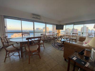 3 dormitorios 3 Baños  en plena peninsula con Vista a playa Brava y Puerto.