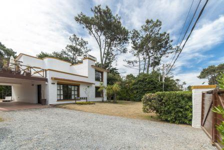 Casa Codigo #Casa en Punta del Este, Pinares, 4 dormitorios