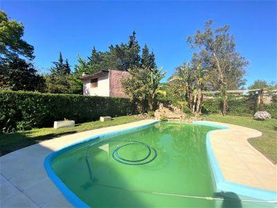 Casa Codigo #Próximo al mar ! 3 dormitorios y piscina. Punta del este