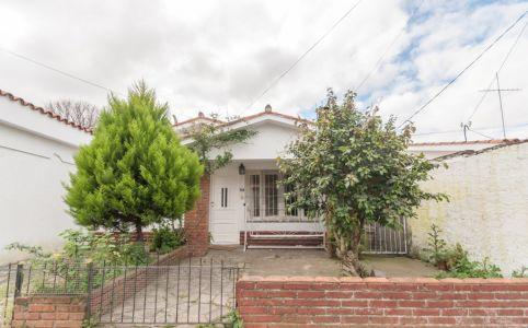Casa con deposito en el centro de Maldonado.