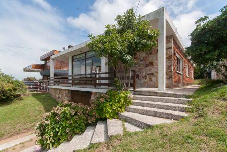 Casa Codigo #Casa de 3 dormitorios a 250m de Playa Mansa, Punta del Este