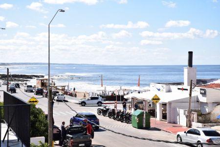 Oportunidad en Península !!! Vista a playa el Emir, Expensas Bajas!