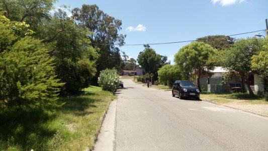 Gran terreno en Pinares a sólo metros de Av. La Laguna.
