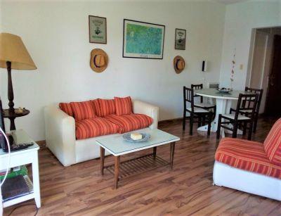 Apartamento en Venta y Aqluiler, Mansa, Punta del Este, 1 Dormitorios.