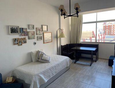 Apartamento en Venta y Aqluiler, Peninsula, Punta del Este, 0 Dormitorios.
