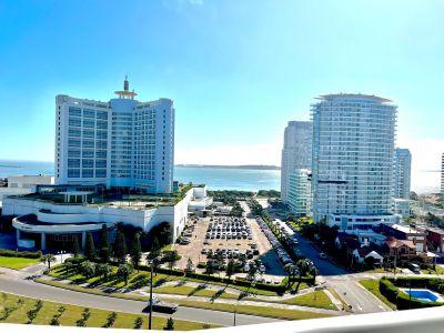 Muy lindo apartamento con vista al mar en torre muy buscada