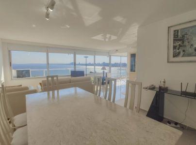 Apartamento en venta en Península, 3 dormitorios Vistas a Mansa y Puerto!