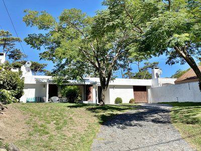 Casa en Pinares - cerca de la playa - Consulte !!!!!!