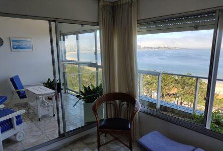 Venta Apartamento 2 Dormitorios y Dependencia, Playa Mansa, Punta del Este