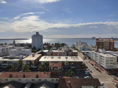 Venta Apartamento 2 Dormitorios, Peninsula, Punta del Este.