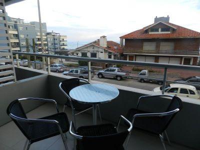 Balcon-terraza, living-comedor, 2 dormitorios, 2 baños, 1 suite, cocina definida, garaje. Recepcion 24 horas, servicio de mucamas, piscina exterior, parrillero de uso comun, gimnasio, sala de juegos.