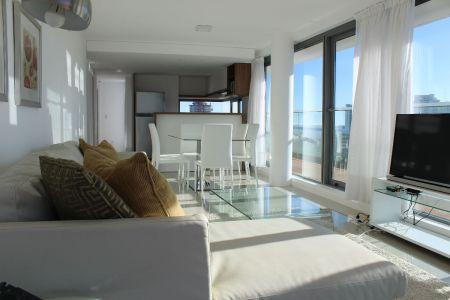 Apartamento esquinero 2 dormitorios piso alto