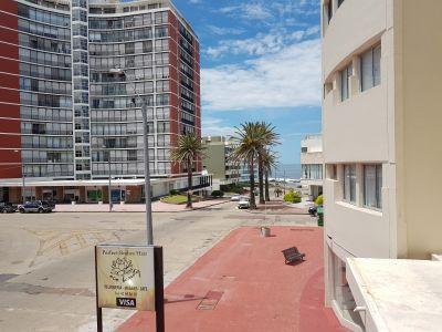Apartamento a pasos del Puerto, 1 dormitorio bajos gastos!!