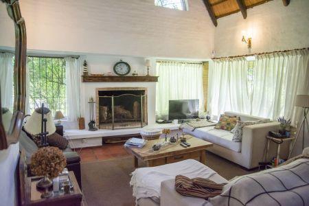 Muy linda casa en zona Rincón del Indio, Punta del Este
