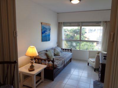 Apartamento en venta de dos dormitorios en Punta del Este