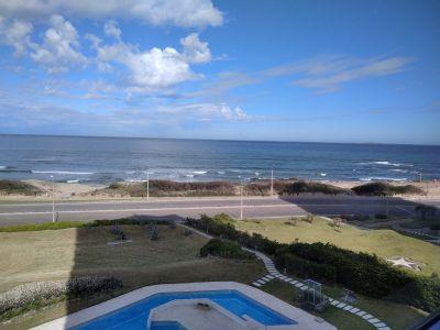 Venta apartamento 3 dormitorios mas dependencia en Playa Brava