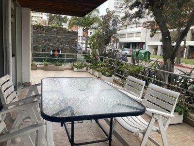 Venta apartamento 2 dormitorios con garage Peninsula zona Puerto