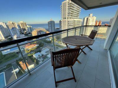 Espectacular apartamento con balcón con parrillero