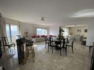 Apartamento a la venta con 4 dormitorios y servicio completo vista en todos los ambientes