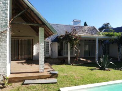 Casa en Venta y Alquiler, La Barra, La Barra, 3 Dormitorios.