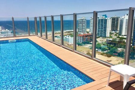 Apartamento Codigo #Excelente monoambiente con vista, en torre con servicios. Zona de playa Brava.