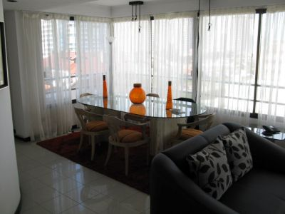 Apartamento en LE CHAT,  En Venta, Mansa, Punta del Este, 3 Dormitorios.