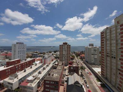 Apartamento Codigo #Apartamento en Venta y Alquiler en Punta del Este, Península, Céntrico, piso alto con muy linda vista despejada