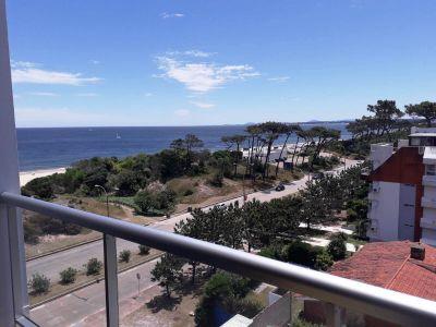 Apartamento en Punta del Este, Mansa, Edificio fte al MAR