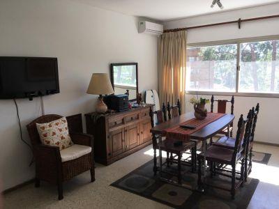 Apartamento de Un Dormitorio en Venta - Zona Arcobaleno - Punta del Este