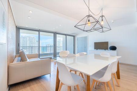 Excelente Apartamento de Dos Dormitorios con vista al Mar en Venta Alexander Boulevard