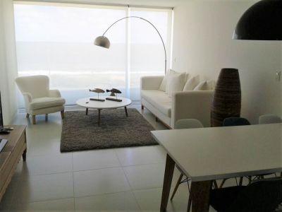 Moderno apartamento de Dos Dormitorios con Vista al Mar de Ballenas - Punta del Este