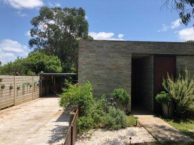 Casa en Venta de 2 Dormitorios a pocos metros de Playa Mansa - Pinares Punta del Este