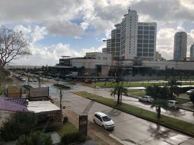 Venta de apartamento en Mansa , Frente al hotel Conrad