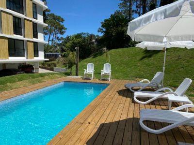 Venta de Apartamento 3 dormitorios en Playa Mansa, Punta del Este.