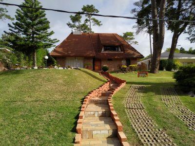 Venta Casa 4 Dormitorios, Pinares, Punta del Este