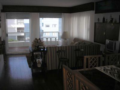 Apartamento amplio, muy cómodo